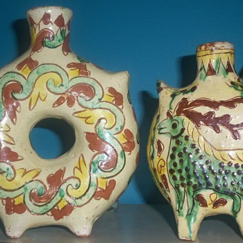 2 VINTAGE CLAY ART POTTERY VASES ITALY OR MEXICO? - Pottery