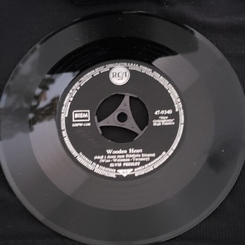 Elvis Presley 45's  - Records