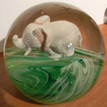 Jim Davis Elephant - Art Glass