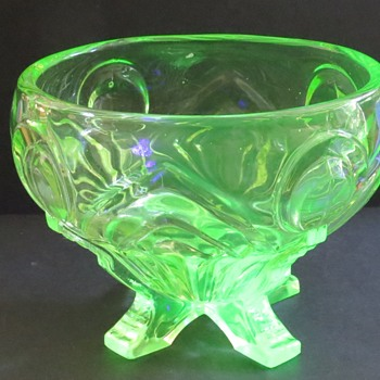 Sowerby Uranium Glass Rose Bowl - 2570 - Glassware
