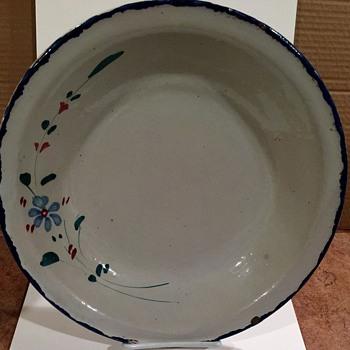 Pottery Bowl beautiful Pattern Unmarked - Kitchen