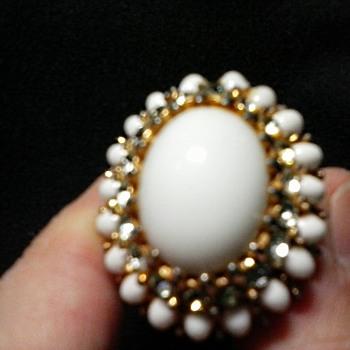 Joseph Mazur (JOMAZ) White Glass and Rhinestone Cocktail Ring/Circa 20th Century - Costume Jewelry