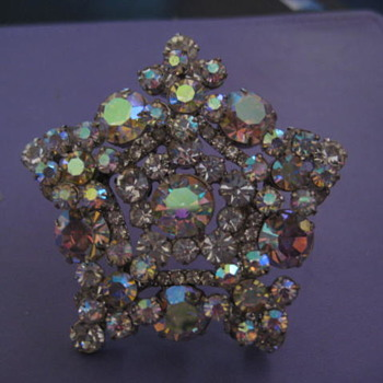 Here is  a beautiful Five point AB Star brooch. - Costume Jewelry