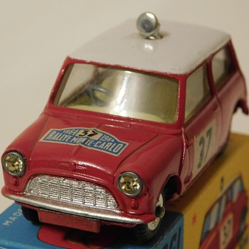 Early 60s Corgi Morris - Mini Cooper S # 37 Winner Rally Monte Carlo - Model Cars