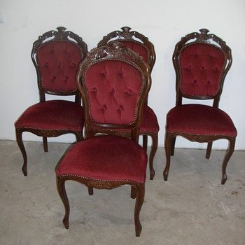 4 red chairs