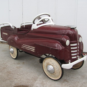 1940 Pontiac Station Wagon Pedal Car - Model Cars
