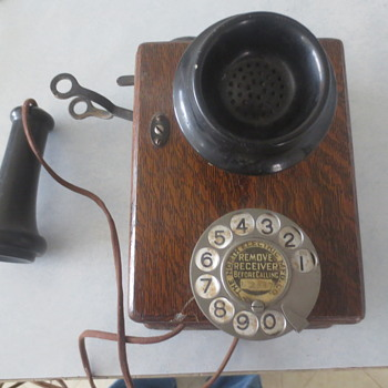 Antique wall phone.The north electric MFG CO