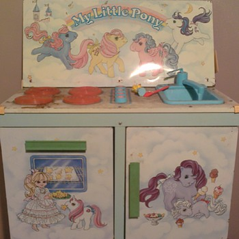 My Little Pony - Kitchen Centre (damaged)- is this a collectable? UK - Toys