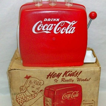 1950's plastic toy Coca Cola dispenser  - Coca-Cola
