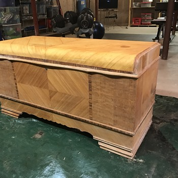 1943 lane cedar chest (part 2 of 3) - Furniture