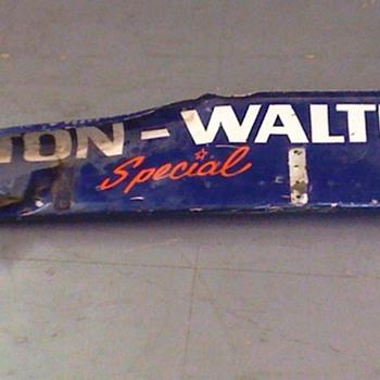 Salt Walthers #77 Indycar Wickerbill - Sporting Goods
