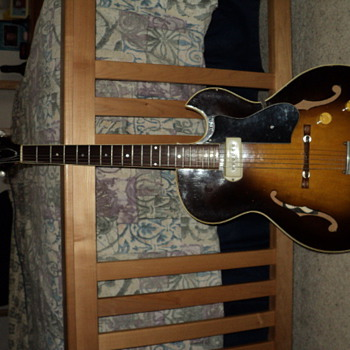 1958 Guild T-100 (I think)  What do you think