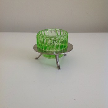 Depression glass salt dish - Glassware