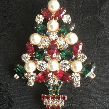 Christmas Tree Brooches — Eisenberg Plus, December 2020 - Costume Jewelry