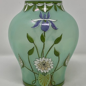 Fritz Heckert Enameled Glass Vase, Ludwig Sütterlin form, ca. 1900 - Art Glass