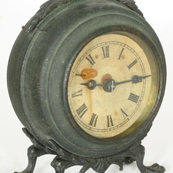 Hubbell Small Mantel Clock