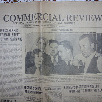 1934 john dillinger in indiana jail - Paper