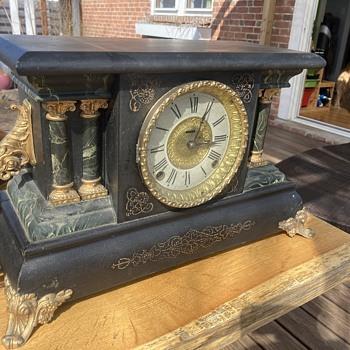 1881 - 1885 E. Ingraham 'Adrian' model shelf clock - before - Clocks