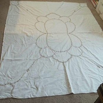 vtg 1920's embroidered tablecloth