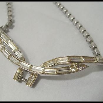 Vintage -- CORO NECKLACE - Costume Jewelry