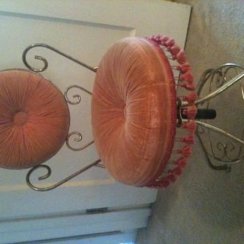 Metal vanity upholstered swivel stool.   - Furniture