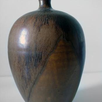 JS signed studio vase - Pottery