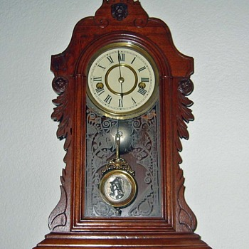 Wood Mantel Clock - Can anyone tell me about it?