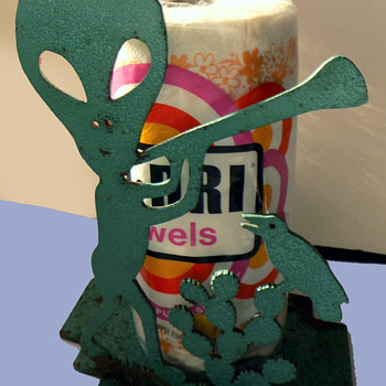 Original OOAK 1950s-60s ROSWELL, NM Small Cafe ALIEN PAPER TOWEL HOLDER - Folk Art
