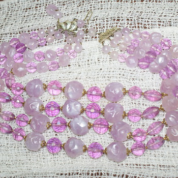 Purple Plastic Necklace - Costume Jewelry