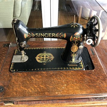 Antique Singer Treadle sewing machine - Sewing