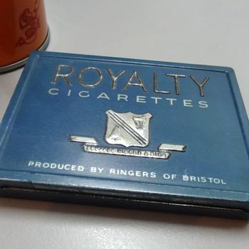 Royalty cigarette tin - Tobacciana