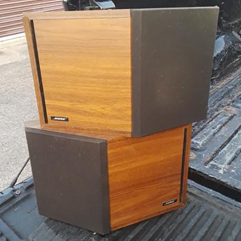 BOSE 2.2 bookshelf speaker system (#1) - Electronics