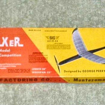 """1974 - SIG Balsa Airplane Kit """"Mini-Maxer"""" - Toys"""