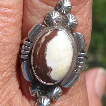 White Horse Magnesite Native American ring - Native American