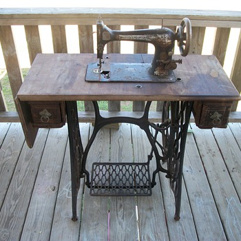 my pre 1900s singer sewing machine