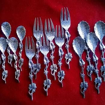 A Few Forks & Spoons..... - Kitchen