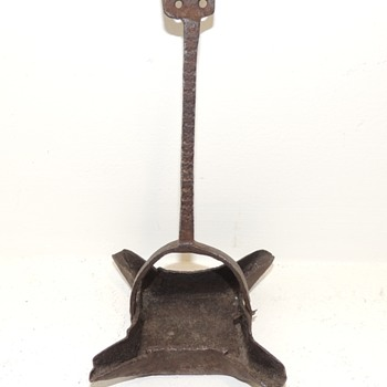 Late 18th - Early 19th Century Wrought Iron 4 Wick Betty Lamp - Lamps