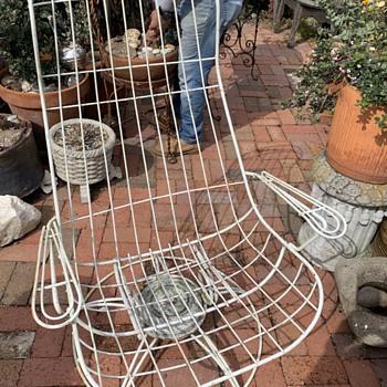 MCM Outdoor Swivel Chair - Bertoia? - Furniture