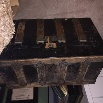 Vintage Trunk...how old is it?