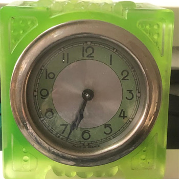 Art Deco Uranium Glass Clock Made in France. Maker unknown to me. - Art Deco
