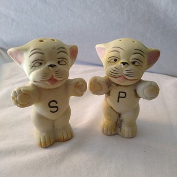 Salt and pepper shakers from Japan - Kitchen