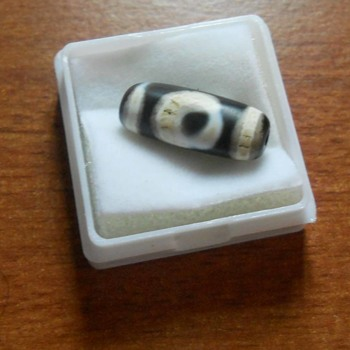 Ancient Vintage Old One Round Eye and Square Heaven and Earth DZI Beads, Is it Rare ? - Fine Jewelry