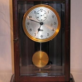 "Arthur F. Poole, Gravity Electric Clock, Model 30, ""Salem"" 1927, serial number 4403 - Clocks"