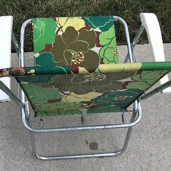 "Vintage "" Flower Power "" lawn chairs. - Furniture"