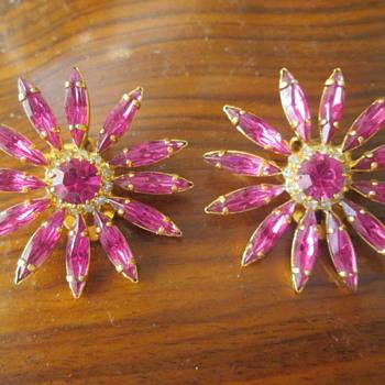 Hot pink starburst earrings