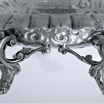 Reed & Barton 'Bear Claw & Nautilus' bowl - Silver