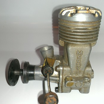 Vintage model airplane engine - Toys