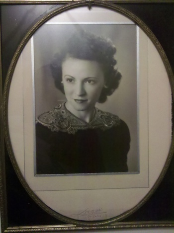 stunning photo of my great Aunt Irene in Deco frame | Collectors Weekly