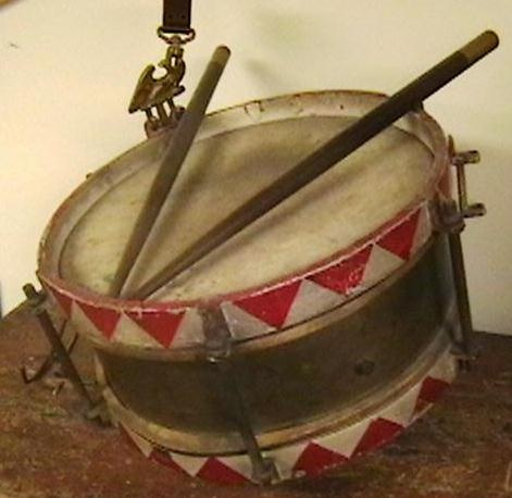 original ww ii german youth snare drum with sticks and hanger collectors weekly. Black Bedroom Furniture Sets. Home Design Ideas