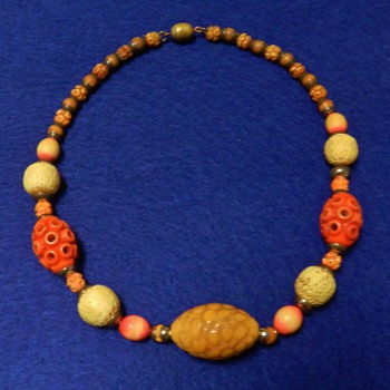 1910's-20's FRENCH Celluloid/Galalith Necklace - So Sweet!